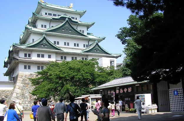 名古屋城です。