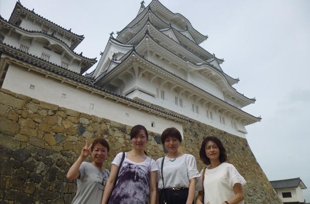 姫路城も改修してきれいだけど、私達もきれいよー。
