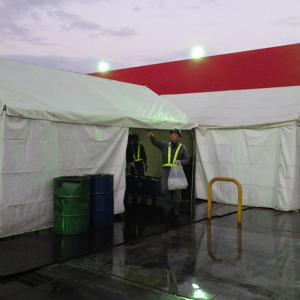 前日。テント設営完了!