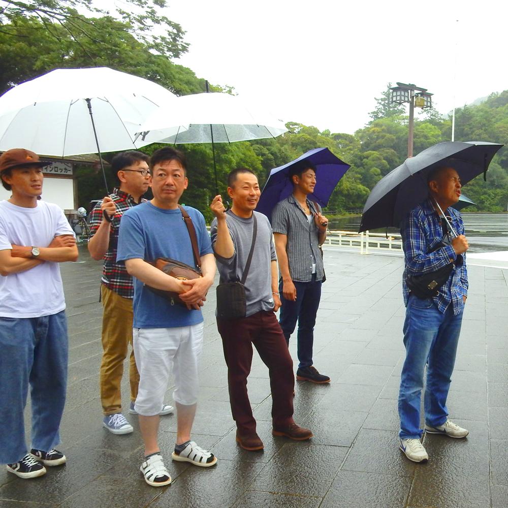 当日はしっとりと雨でした。